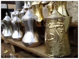دلال القهوة مظهر ملازم لأكرام الضيف في الديوانية الكويتية قديما وحديثا