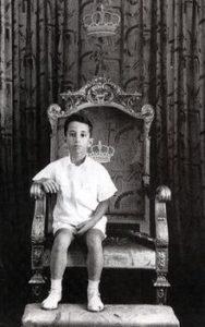 الملك الطفل ..فيصل الثاني يعتلى عرش العراق