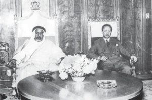 الشيخ عبدالله السالم الصباح مستقبلا الوصي الأمير عبدالإله في بغداد 1945م