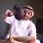 تقاليد السنع في مجلس القهوة الإماراتي