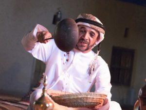 صول السنع في تقديم القهوة الاماراتية