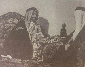 الامير عبدالله بن جلوي حاكم الإحساء في ديوانه عام 1937م