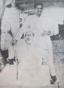 حسين بن علي أل سيف وخلفه مساعد الصالح القناعي 1932م
