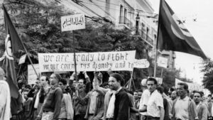 تونس تحتفل بإجلاء اخر فرنسي