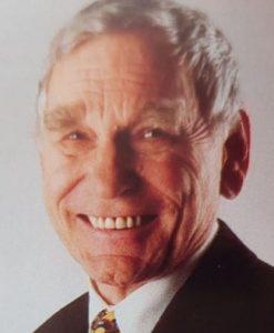 سيناتور د.جورج أولمز