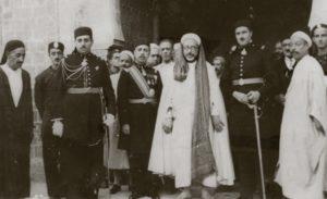 الشيخ النيفر في حشد من العلماء