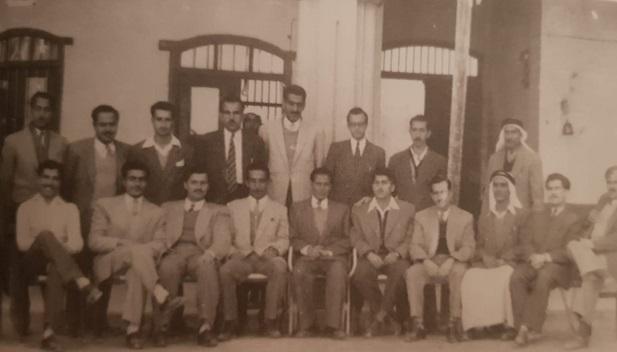 هيئة التدريس في المدرسة الأحمدية عام 1952م