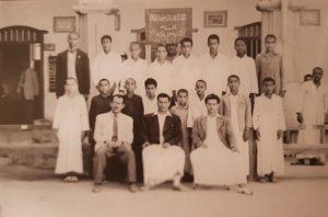طلاب السنة الثانية ابتدائي بالمدرسة الأحمدية عام 1950
