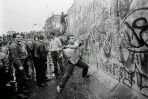 هدم حائط برلين السجن الكبير