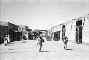 أحدى حارات وسكيك الكويت القديمة ( ألن فليرز )