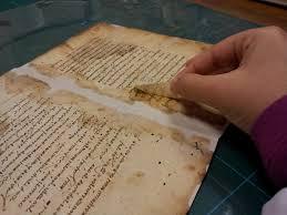 ترميم المخطوطات العربية
