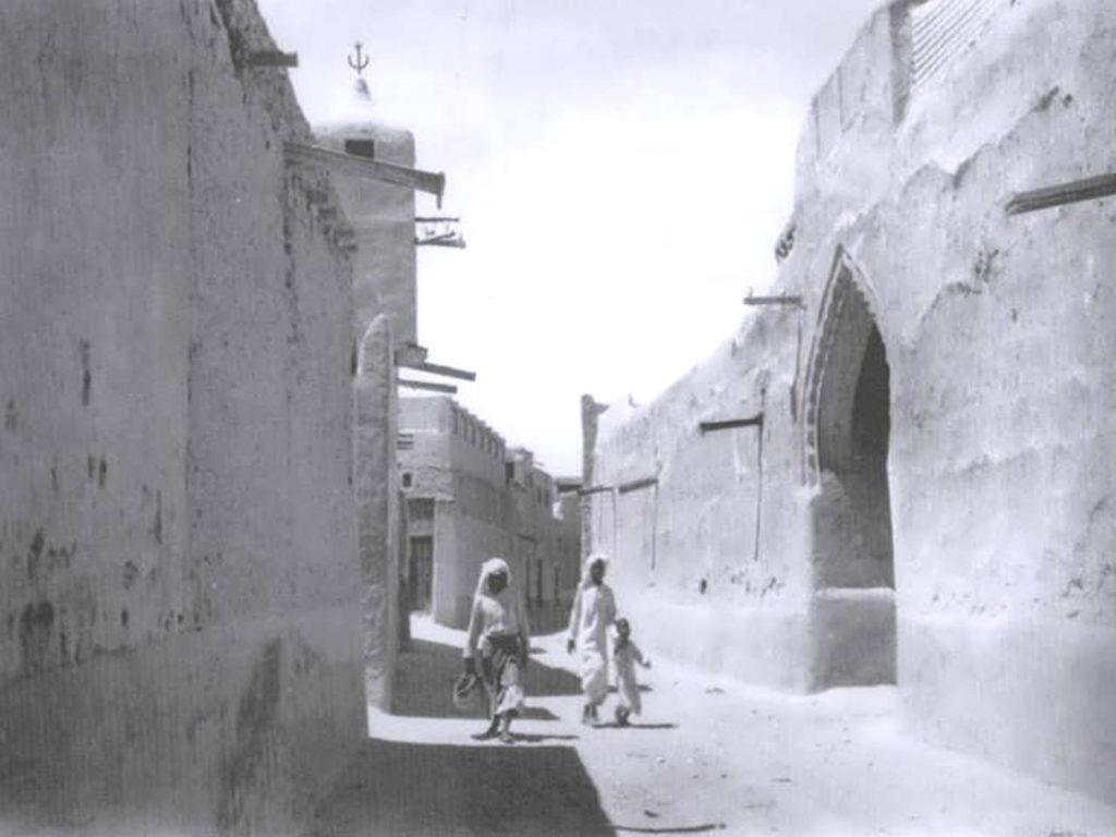 بيوت طينية في حي الوسط بمدينة الكويت القديمة