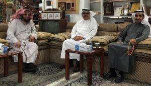المحامي طلال الرميضي يمينا ود.عبدالعزيز المسلم في الوسط ود . محمد الشيباني يسارا