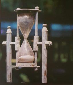 من معروضات متحف الوقت والقياس ببرج الساعة