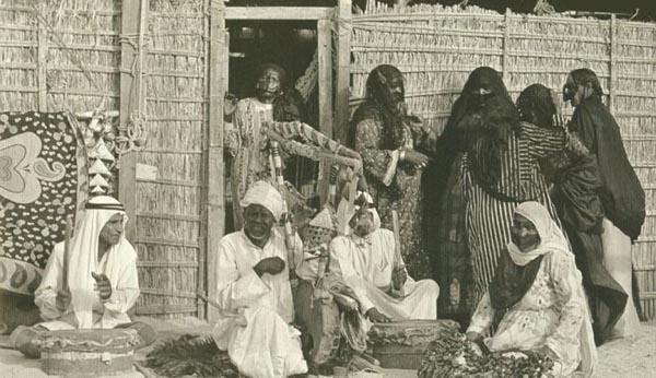 جانب من الحياة الإجتماعية في دولة الامارات قديما