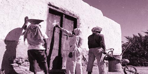 تحديد البيتوت المصابة بالوباء من قبل رجال البلدية قديما