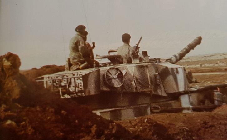 المدرعات الكويتية على جبهة الجولان مشاركة في حرب الاستنزاف في الجبهة السورية .