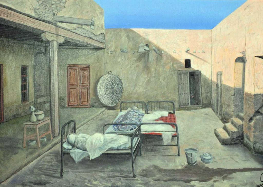 حوش كويتي تقليدي حيث تتوزع الأسرة والغرف في ارجاءه