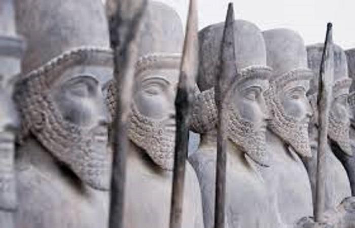 تماثيل لجنود فرس