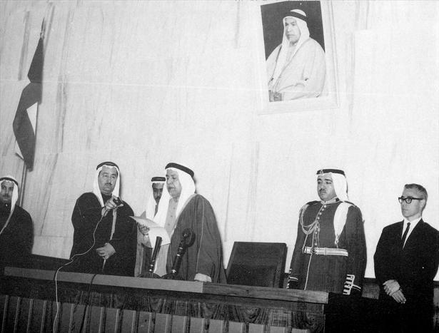 الشيخ عبدالله السالم في افتتاح المجلس التأسيسي