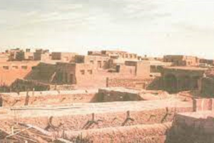 بيوت قرية الفنطاس الطينية كما بدت في الماضي