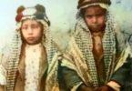 الشيخ عبدالله المبارك وشماله الشيخ صباح السالم الصباح في صورة نادرة